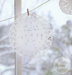 Scherenschnitt-Schneeflocken