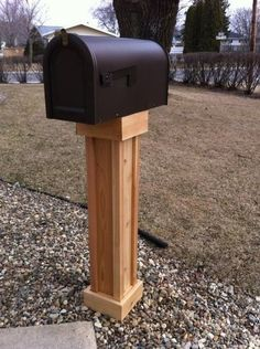Cedar Mailbox Post----paint white or black