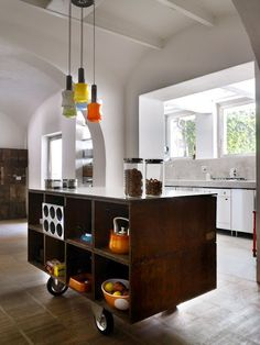 Examples Of Kitchens With Movable Islands That Make It Easy To - Moving kitchen island