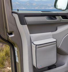 El MULTIBOX VW T6 elegante se puede colocar en todas las puertas de la cabina del conduktor VW T6.