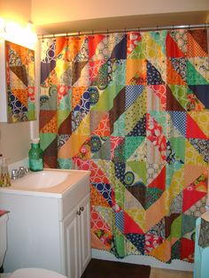 Pinner wrote: Finished my quilted shower curtain today can safely say no one else has one like it! ~ by Terri Reveles Patchwork Curtains, No Sew Curtains, Quilting Projects, Quilting Designs, Hippie Curtains, Quilt Storage, Half Square Triangle Quilts, Curtain Patterns, Indian Home Decor