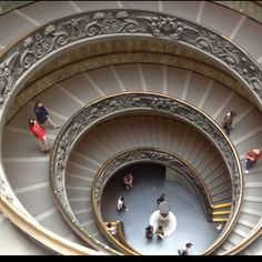 Museum del Vaticano / Rome Stairs, Mirror, Places, Pictures, Travel, Beauty, Home Decor, Vatican, Photos