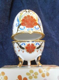 RUSSIAN STYLE DECORATED EGG - JEWELRY BOX
