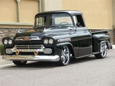 1958-CHEVROLET-APACHE-CUSTOM-PICKUP