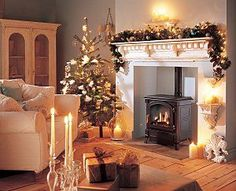 New living room wood burner mantels Ideas Christmas Interiors, Christmas Living Rooms, New Living Room, Living Room Decor, Small Living, Modern Living, Cosy Christmas, Christmas Home, Christmas Trees