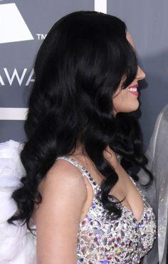 Katy Perrys gorgeous, wavy hairstyle