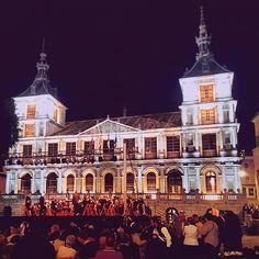 """Concierto en el #ayuntamiento de #toledo  #toledoturismo #turespaña #turismotoledo #turismo #spain #españa #turismocultural #igersspain ##igersclm #igerstoledo  #"" Photo taken by @mickylon on Instagram, pinned via the InstaPin iOS App! http://www.instapinapp.com (04/24/2015)"