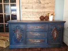 A retro buffet & hutch milk painted Homestead Blue
