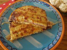 Deze bloemkool tosti is een prachtig voorbeeld om kinderen, die liever geen groenten eten te foppen. Ze smullen er zeker van!