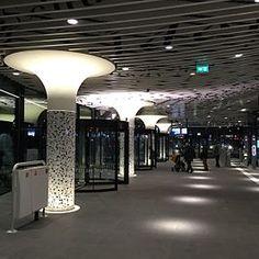 Station #Delft is het belangrijkste station van Delft, daarnaast is er station Delft Zuid. Het ligt aan de Oude Lijn, tussen Den Haag HS en #Rotterdam #Centraal.