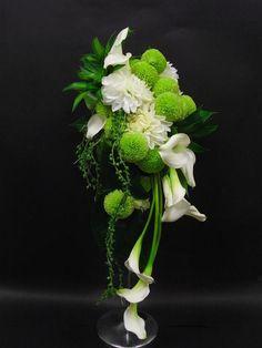Flower Table Decorations, Table Flowers, Flower Arrangement, Floral Arrangements, Flower Packaging, Cascade Bouquet, Amazing Flowers, Wedding Season, Botanical Gardens