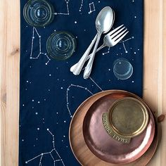French Dot Constellation Runner -- free template
