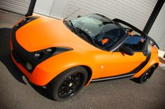 Mat Orange and carbon Wrap of a Smart Roadster #stickysigns #carwrap