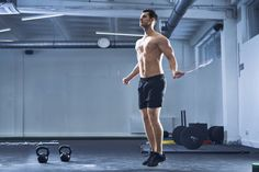 12 best crossfit workouts you can do at home - crossfit wods Pull Up Workout, Workout Plan For Men, Jump Rope Workout, Abs Workout Video, Workout Plan For Beginners, Boxing Workout, Crossfit Workouts At Home, Crossfit Gym, Fun Workouts