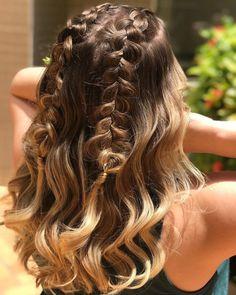 Hair Streaks, Hair Highlights, Hair Curling Tips, Hair Upstyles, Curly Hair Tips, Grunge Hair, Beach Hair, Curled Hairstyles, Hair Videos
