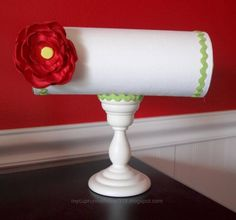DIY Headband Holder - Cover PVC pipe with fabric and use a candle stick as the base. Pvc Pipe Projects, Diy Projects, Headband Storage, Headband Display, Hair Bow Display, Craft Fair Displays, Display Ideas, Craft Show Ideas, Diy Ideas