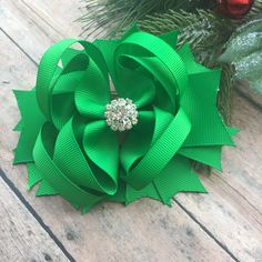 Christmas Hair Bow - Christmas - Holiday bow - Green hair bow - Boutique bow - Christmas Boutique Bow - Hair Clip by BBgiftsandmore on Etsy