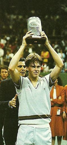 Il Tennis Italiano recalls the 1984 edition of the Cuore Cup in Milan, Stefan Edberg's first professional tournament victory. Article shared by Martina Frammartino.