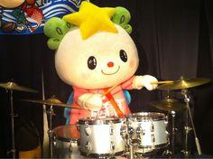 またアラシ呼んじゃうね☆ゆめちゃん、かっこいい! @takata_yumechan ゆめちゃんドラムに挑戦♪ pic.twitter.com/2ajJHXQIEK