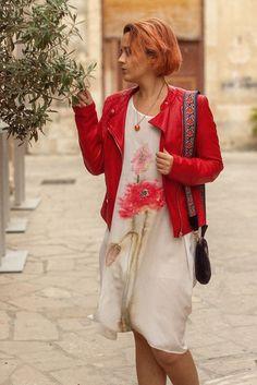 Jei atostogauti tai tik stilingai #vacation #outfit #summer #spring #stylish #vacationoutfit #silk #silkas Vacation Outfits, Stylish, Holiday Outfits