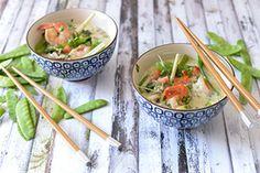 Qooking.ch   Soupe minute de poulet et crevettes Wok, Minute, Saveur, Asian, Tableware, Kitchen, Thai Basil, One Pot Meals, Lemon Grass