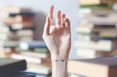 Você também é apaixonada por livros e tem vontade de fazer uma tatuagem inspirada neles? Pra ajudar, vasculhei o Pinterest, Tumblr e WeHeartIt em busca de boas ideias. Inspire-se nos desenhos, lugares e encontre a tatuagem que tem mais a ver com você. Livros, livros e mais livros. Aquela história que marcou sua vida pode(...)