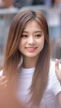 Kpop Girl Groups, Korean Girl Groups, Kpop Girls, Beauty Full Girl, Beauty Women, Tzuyu Twice, Dahyun, Le Jolie, Beautiful Asian Women