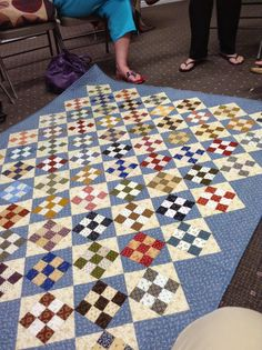 Rows of 9-patch blocks alt with hourglass blocks