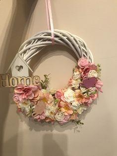 Hanging Signs, Flower Crafts, Door Design, Door Wreaths, Floral Arrangements, Floral Wreath, Wedding Decorations, Easter, Spring
