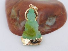Vintage 18K Solid Yellow Gold Natural Green Yellow Jadeite