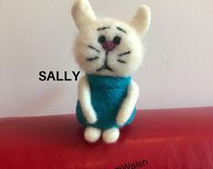 Needle Felted Soft Sculpture Gifts  by SamsFabulousFelts2 on Etsy Needle Felted Cat, Needle Felted Animals, Felt Animals, Unusual Animals, Colorful Animals, Felt Gifts, Cat Lover Gifts, Cat Lovers, Quirky Gifts