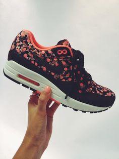 NEW @Nike x @LibertyLondon coming this Sat #NikeLiberty #Airmax1 #LibertyPrint  http://www.liberty.co.uk/fcp/content/nike-liberty/content