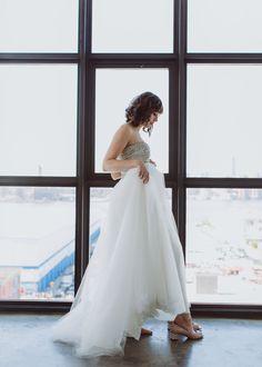 Naeem Khan Dress, Colorful NYC Wedding, Amber Gress Photography, New York City,  Wythe Hotel, Modern Wedding