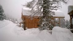 Enorme sneeuwal in het Alpenpark Villa, Cold, Outdoor, Beautiful, Hu Ge, Chalets, Runway, Lush, Tower House
