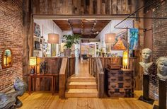 A look inside @leeannbrook_fineart gallery on Broad Street, photo by @willedwardsphotography Photo by VisitNevadaCity in Nevada City, California with @leeannbrook_fineart, @willedwardsphotography, and @visitnevadacity.  The gallery has moved online, but great to celebrate local artists #NevadaCountyArts