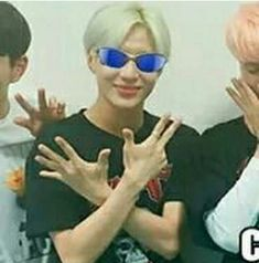 e t h e r e a l x i wish to acquire the intellect of our meme lord taemin K Meme, Funny Kpop Memes, Dankest Memes, K Pop, Jaehyun, Heart Meme, Internet Friends, Shinee Taemin, Quality Memes