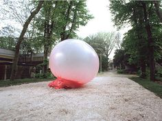Giant bubble.gum bubble