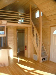 Easy to Build Tiny House Plans! This tiny house design-build video workshop shows how… Tiny House Cabin, Tiny House Living, Tiny House Plans, Small Living, Tiny Cabins, Tiny House With Loft, Living Room, Tiny Loft, Cottage House