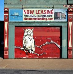 Owl graffiti. Street art.