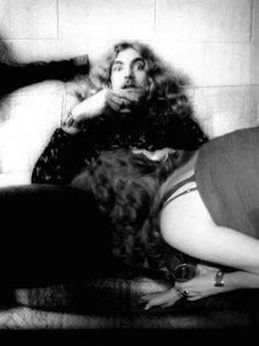 ROBERT PLANT CAUGHT IN THE ACT...     BAD PHOTO SHOP.