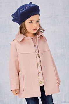 Abrigo sencillo y muy bonito para niña