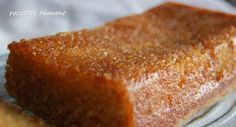 Un cake incroyablement délicieux, préparé sans farine, à faire et à refaire!!! (j'ai apporté quelques petits changements à la recette) 100g de poudre d'amandes 150g de sucre en poudre (dans la recette de Sophie, il est indiqué 180g de sucre, je trouve...