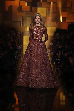 En 2019 Images Du Couture Elie Saab 549 Meilleures Tableau RWaqY6pqw
