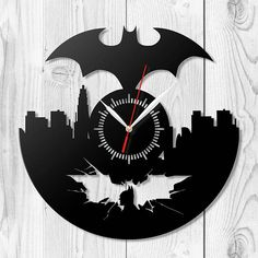 Vinyl Record Projects, Record Crafts, Vinyl Record Art, Wooden Projects, Rick And Morty Tattoo, Wall Appliques, Pixel Animation, Fancy Watches, Wooden Clock