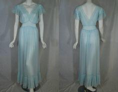 1940s early 1950s Van Raalte Blue Nightgown 36 Medium Large