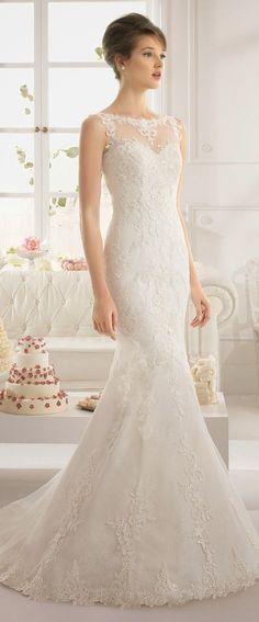 Aire Barcelona es la línea low cost de Rosa Clará para la novias que tienen un presupuesto más ajustado para su vestido de novia pero no por ello desean renunciar al estilo, glamour y sofisticación...