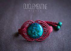 Bracelet Chrysocolle ethnique, bracelet en macramé Pierre Chrysocolle, bracelet Chrysocolle en macramé couleur rouge, bracelet Chrysocolle rouge micro macramé