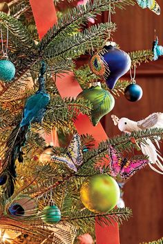6 impressive inexpensive christmas decorating ideas - Rural King Christmas Decorations