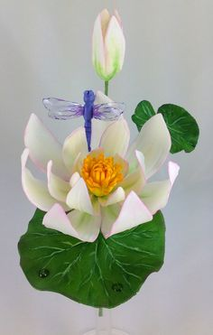 Gum Paste Water Lily And Dragonfly on Cake Central Icing Flowers, Gum Paste Flowers, Fondant Flowers, Clay Flowers, Edible Flowers, Sugar Flowers, Fondant Flower Tutorial, Cake Topper Tutorial, Lotus Cake