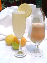 Pisco Sour y Vaina. Pisco is a distillate of Chile exclusive and original